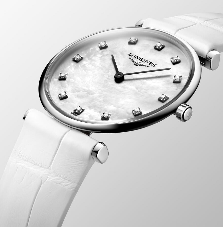 Fake watches for sale are pure with white color.